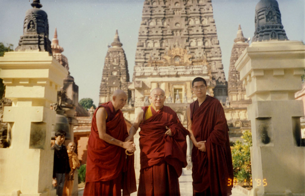 Rinpoche in Bodhgaya with his gurus His Eminence Kensur Rinpoche Jampa Yeshe (left) and His Eminence Denma Locho Rinpoche (centre)